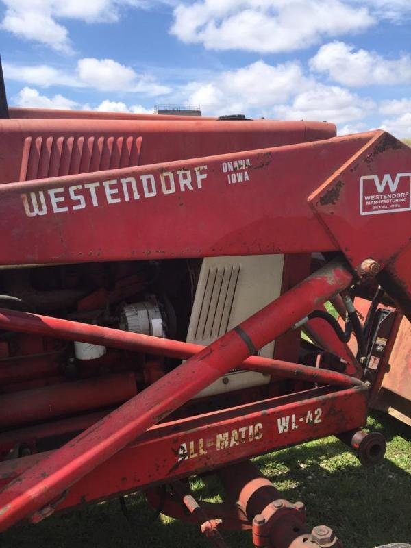 Westendorf WL-42 loader with quick tach 84